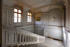 Beton schilderij trappenhuis