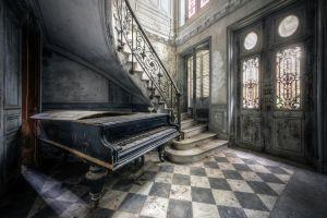 Beton schilderij piano entree