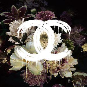 Bloemen Vlinder Vrouw Zwart Glas Schilderij 80x80