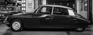 Glas schilderij foto kunst zwarte auto klassieker