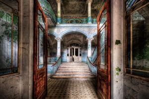 Glas schilderij foto kunst verlaten trappenhuis
