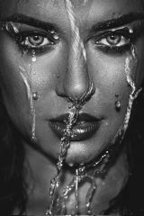 Water Gezicht Sijpelt Vrouw Zwart Wit Foto Glas Schilderij 80x120