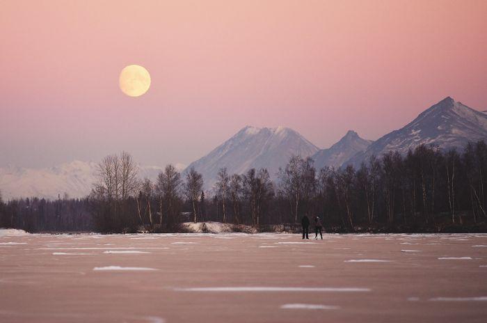Figuratieve Schilderijen: Dibond schilderij sneeuwgebied volle maan