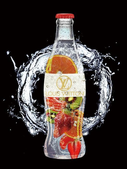 Eten & Drinken Schilderijen: Louis Vuitton Flesje Fruit Aardbeien Kiwi Goudfolie Glas Schilderij Foto 60x80