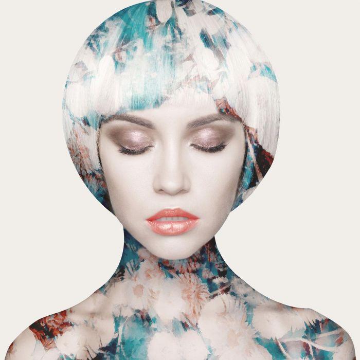 Bloemen Schilderijen: Vrouw Turquoise Bloemen Waterkleuren Make Up Glas Schilderij 80x80