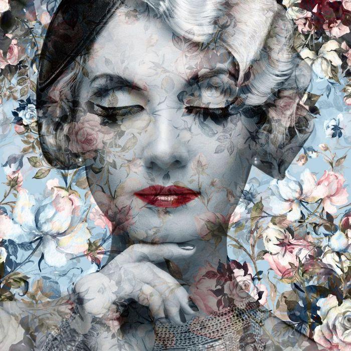Bloemen Schilderijen: Vintage Vrouw Bloemen Licht Blauw Grijs Glas Schilderij 80x80