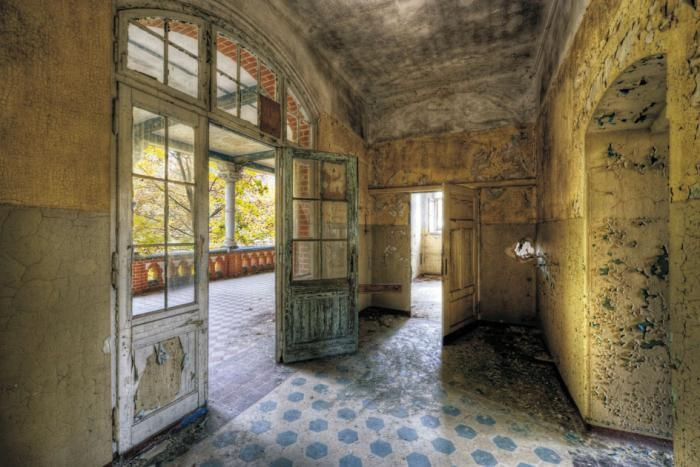 Foto Kunst Schilderijen: Deuren Hallen Reünie Oud Geel Blauw Glas Schilderij 120x80