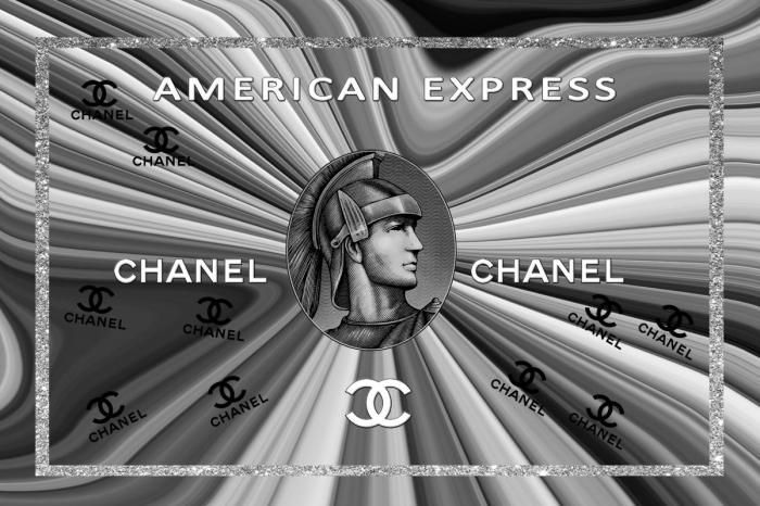 Figuratieve Schilderijen: Chanel Logo American Express Grijze Glas Schilderij 120x80