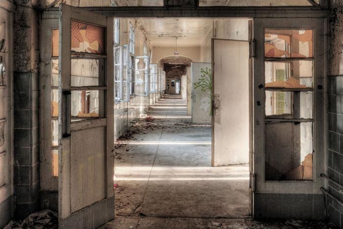 Foto Kunst Schilderijen: Deuren Hal Entree Beelitz Heilstatten Groot Glas Schilderij 160x110