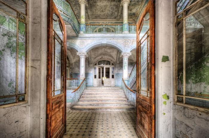 Foto Kunst Schilderijen: Trappenhuis Entree Ziekenhuis Beelitz Heilstatten Glas Schilderij 160x110