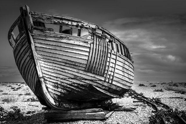 Foto Kunst Schilderijen: RVS schilderij houten boot strand