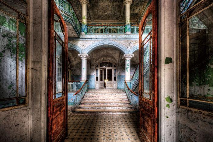Foto Kunst Schilderijen: Glas schilderij foto kunst verlaten trappenhuis
