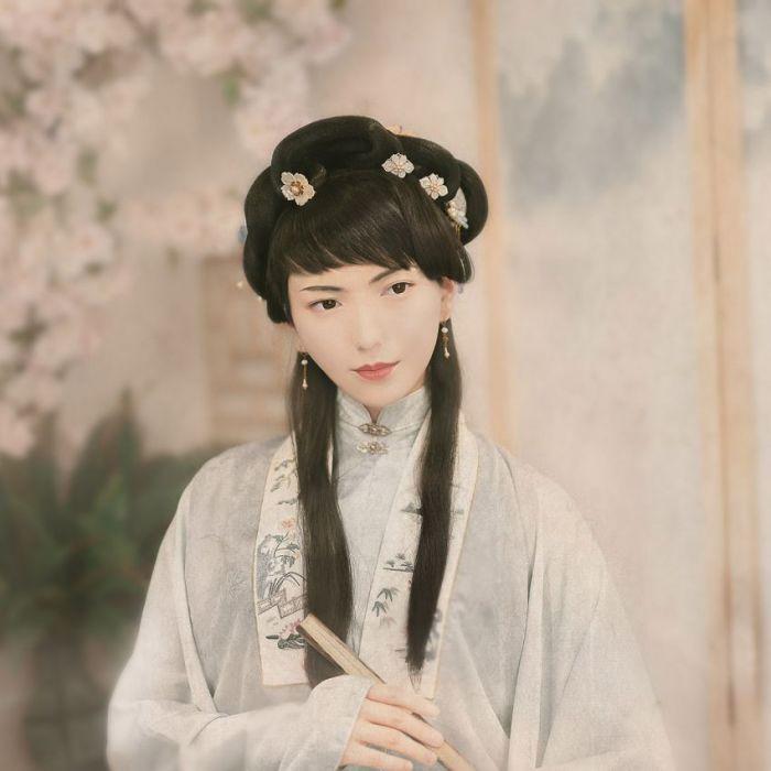 Figuratieve Schilderijen: Dibond schilderij aziatische bloemen vrouw
