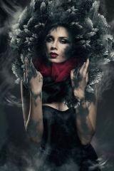 Little Black Dress Vrouw Rode Sjaal Glas Schilderij 80x120